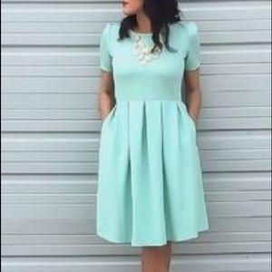 LuLaRoe Size XS Amelia Fit And Flare Dress
